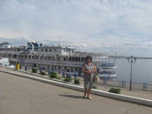 Я на фоне экскурсионного парохода